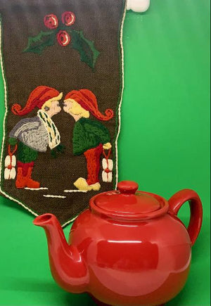 Beautiful Red Price and Kensington 6 cup teapot made in England.