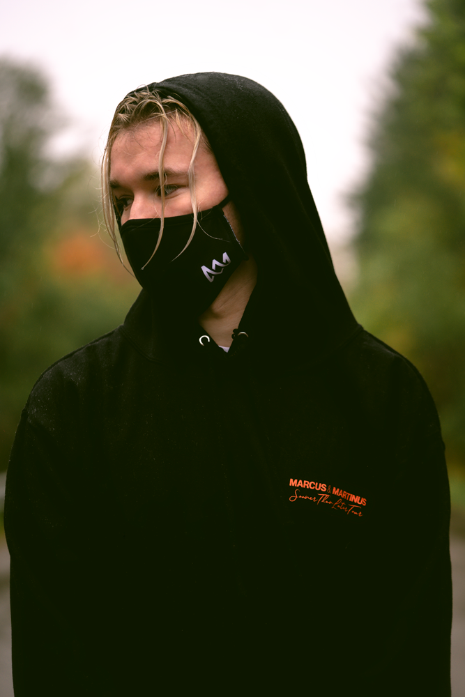 Reusable face mask with logo