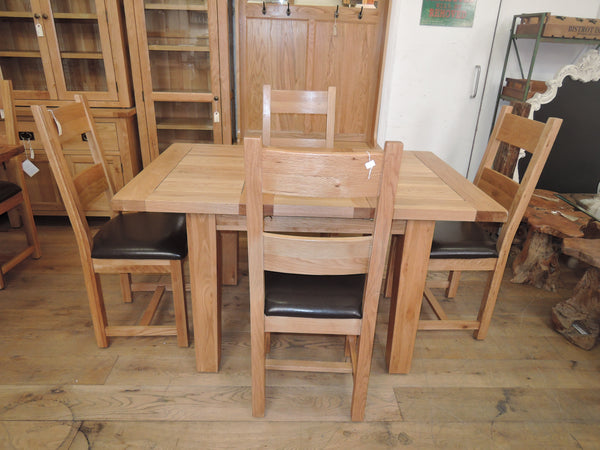 DELUXE SOLID OAK EXTENDING DINING TABLE 110CM TO 140CM & 4 OAK AND LEATHER CHAIRS SPECIAL OFFER
