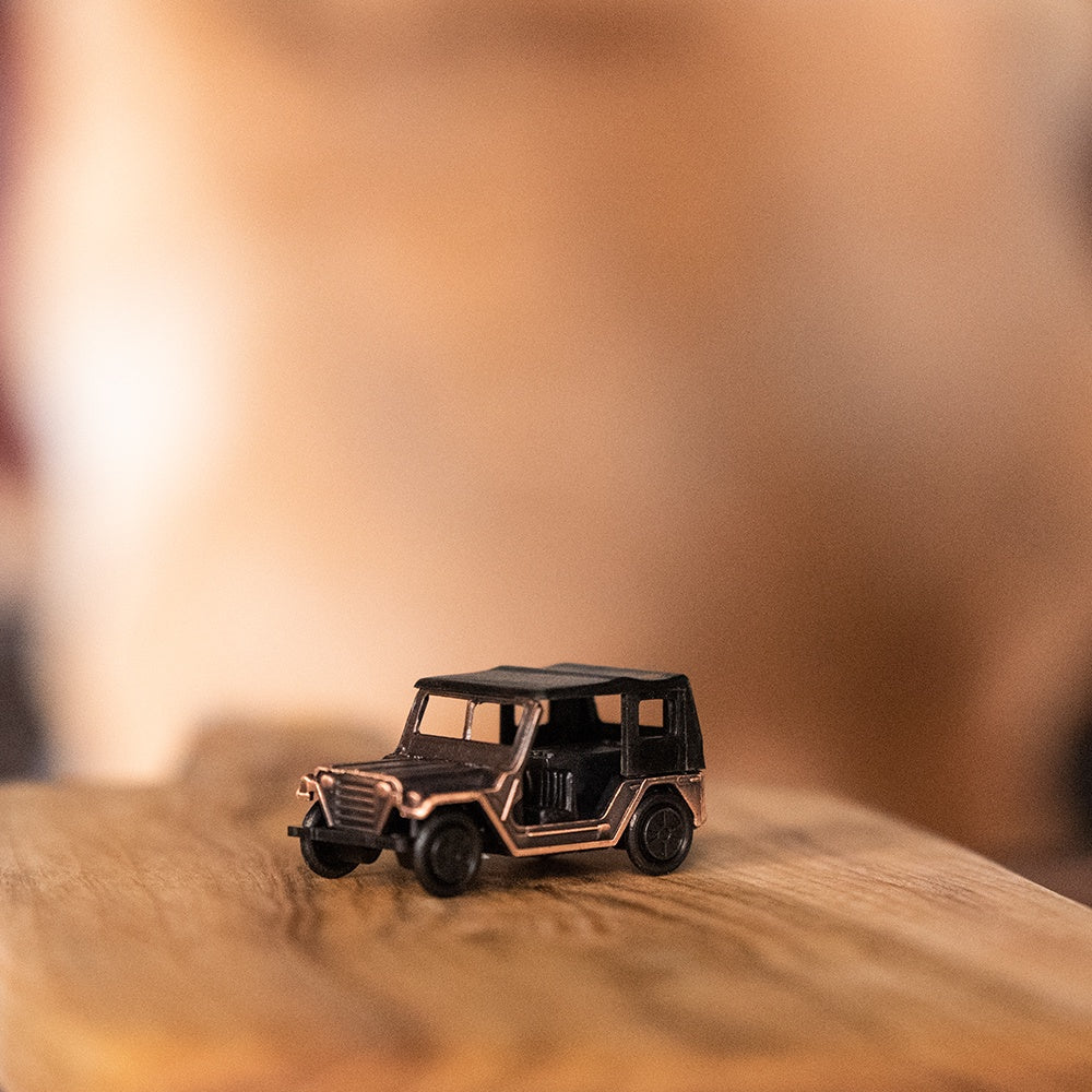 Antique finished die cast 9cm miniature jeep car pencil sharpener