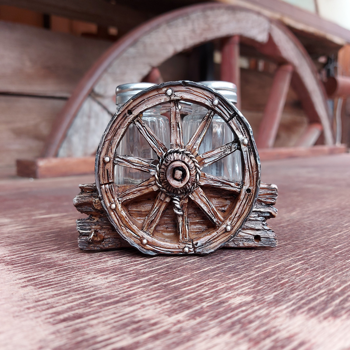 Salt & Pepper Shakers Western Wagon Wheel