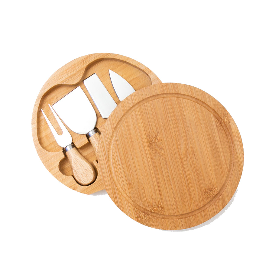 Funk Trunk's bamboo cheeseboard with cutlery set is the perfect gift you can give to your loved ones.