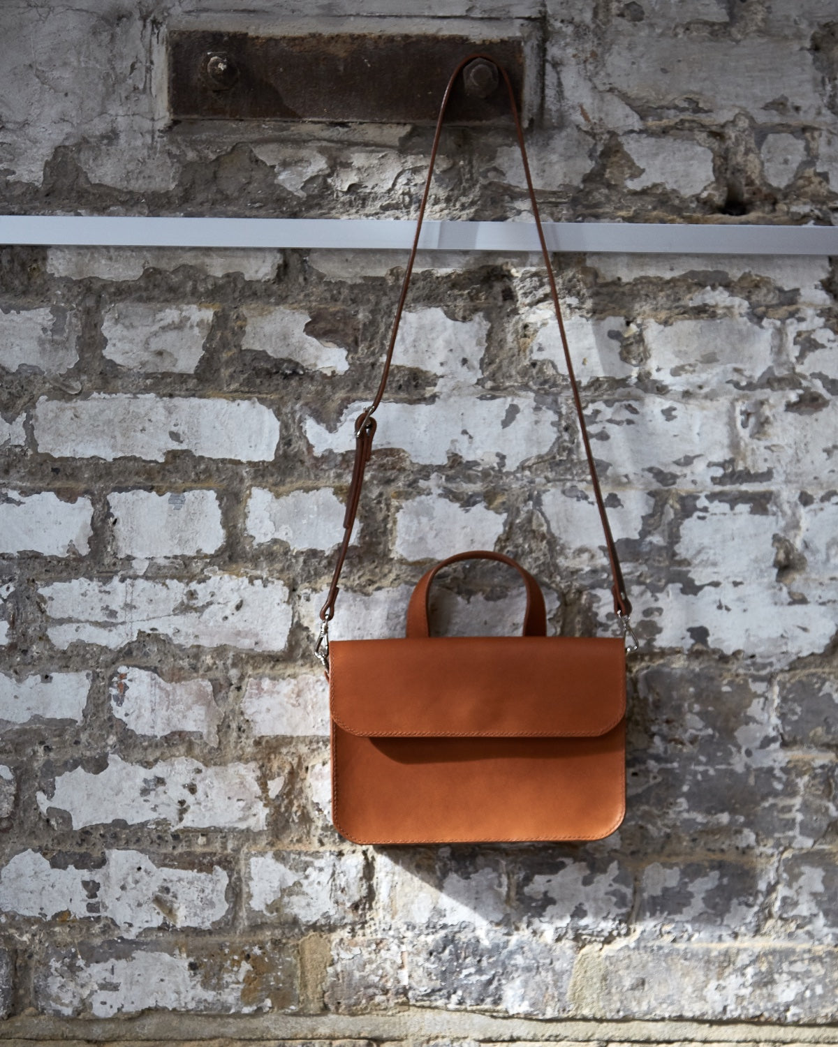 Alice satchel bag handcrafted by Mollum Vellum
