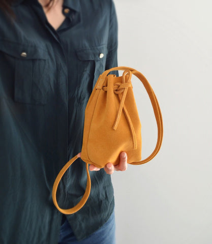 hannah sandy bucket bag