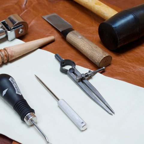 Leathercraft workshop by Mollum Vellum London UK