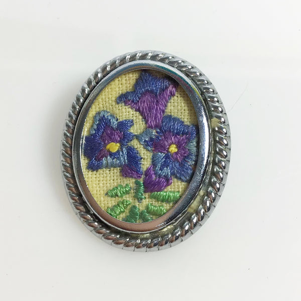 1950s vintage embroidered floral brooch