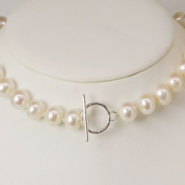 Handmade by Mary Hinde of Quite Contrary Jewellery.  An exhibitor to the Rural Magpie Jewellery Fair