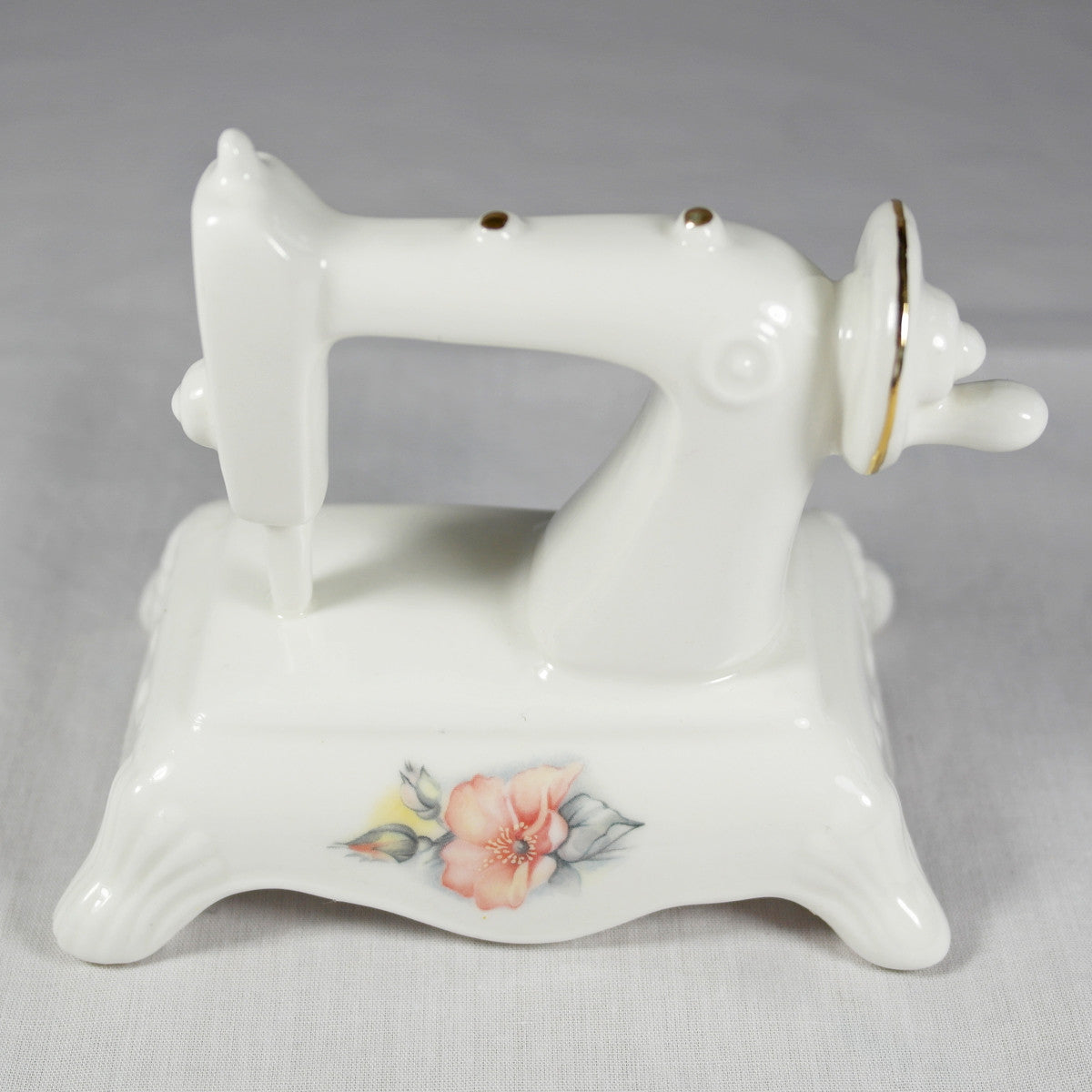 Fine Bone China Sewing Machine Ornament