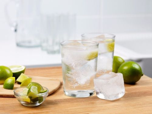 Tovolo King Cube Clear Ice System - lifestyle4
