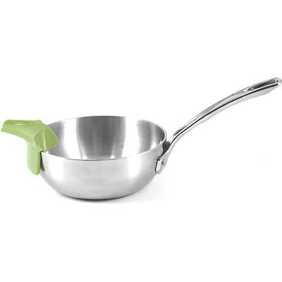 RSVP Slip-On Pour Spout_green on pan