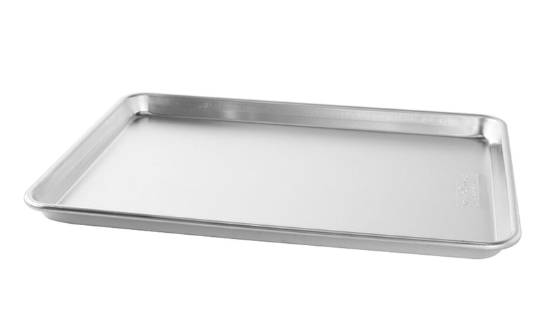 Nordic Ware Naturals Aluminum Commercial Baker's Half Sheet with Lid_no cover