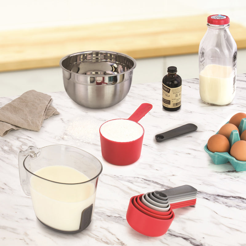 Tovolo Magnetic Nested Measuring Cups & Spoons System_lifestyle