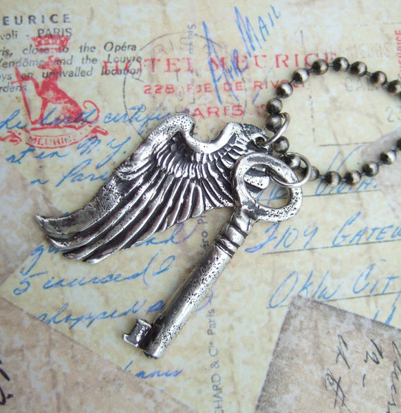 Vintage Skeleton Key Necklace - HappyGoLicky Jewelry