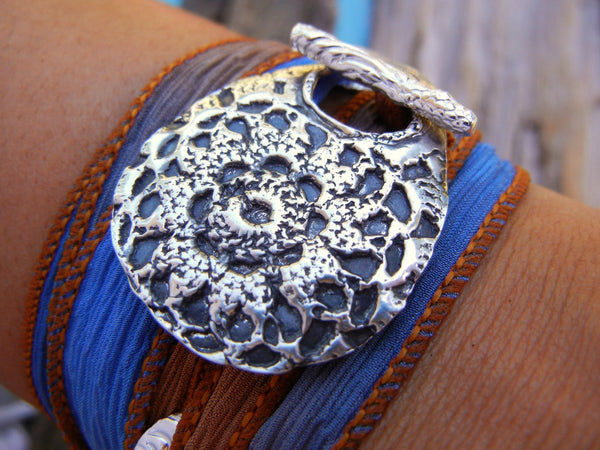 Boho Crochet Silk Wrap Bracelet - HappyGoLicky Jewelry