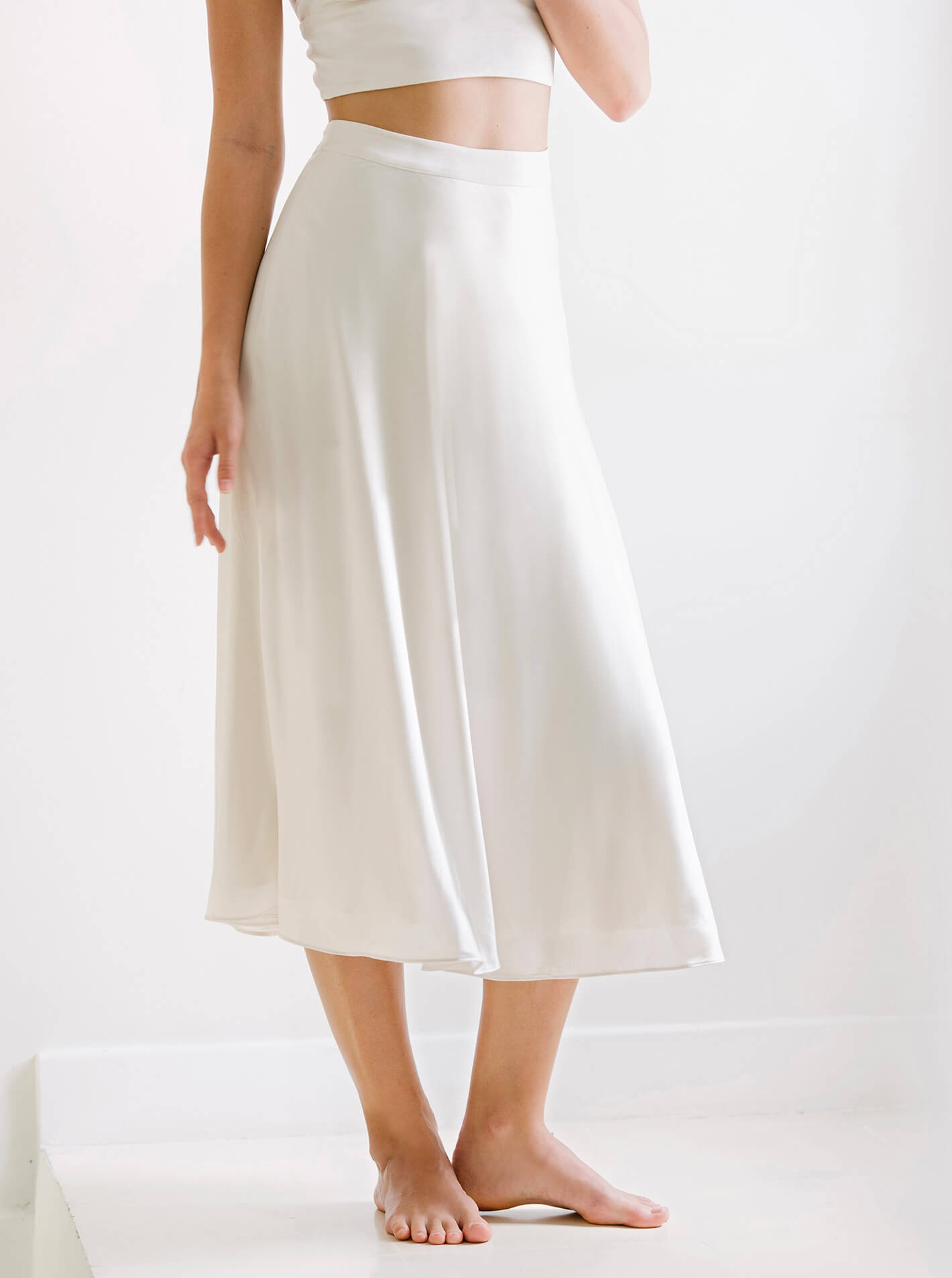 free delivery new items official price Air Midi Skirt