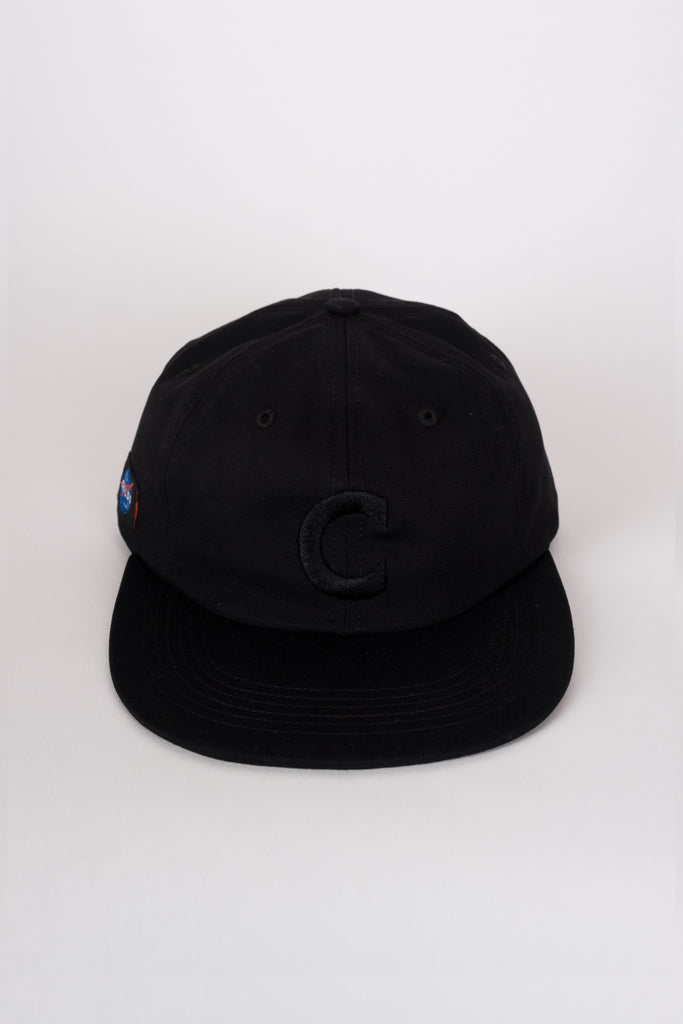6-panel embroidered hat black