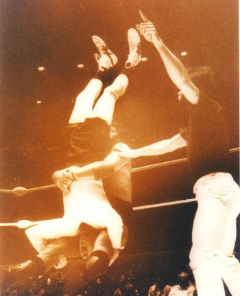 Andy Kaufman & Jerry Lawler - 8x10 Photo #1 - maniacjoe