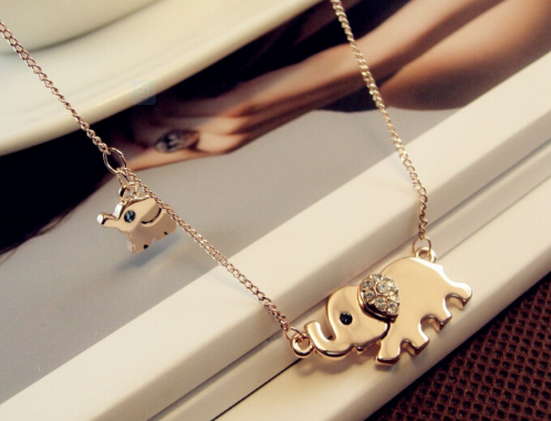 Elephant Family Stroll Design Fashion Women Charming Crystal Chain