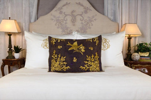 Pandora de Balthazar antique decorative pillows
