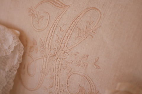 Pandora de Balthazar Custom Embroidered Headboards