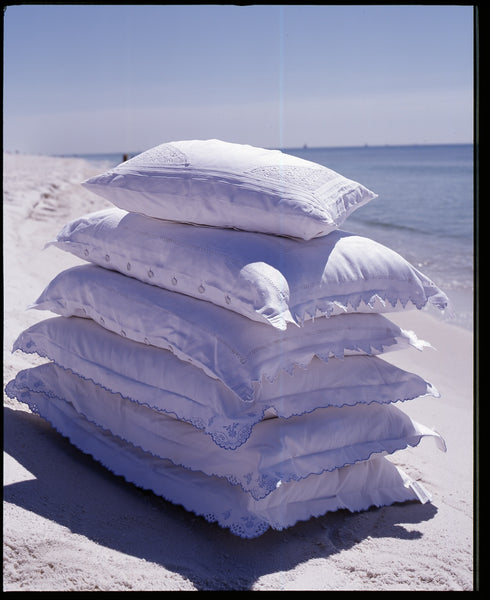 Pandora de Balthazar goose down pillows in shams