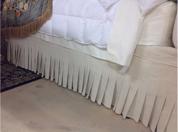 Bedskirt with Narrow Knife Pleats