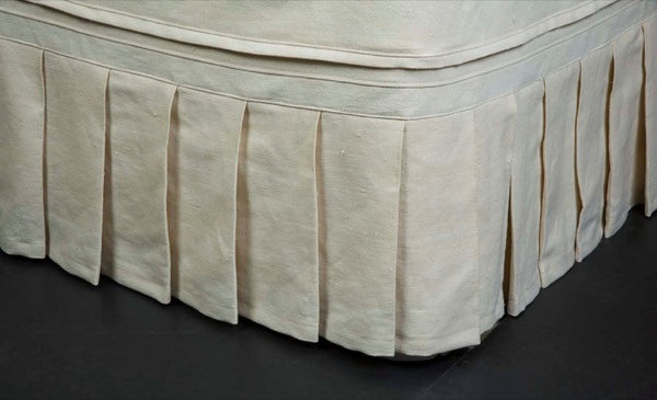 Bedskirt with Wide Knife Pleats