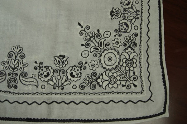 Black White Floral Embroidered Antique Tablecloth Corner