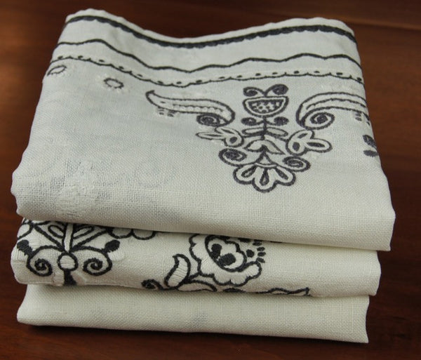 Black White Floral Embroidered Antique Tablecloth