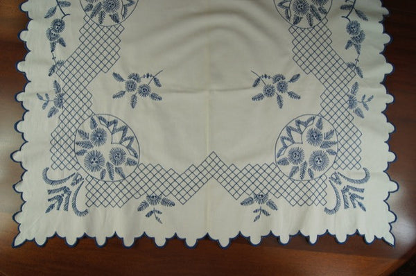 Blue and White Feathers Flowers Tablecloth