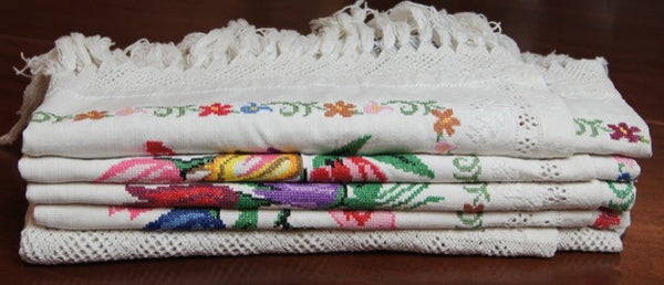 Cross Stitch Tulip Tablecloth Folded