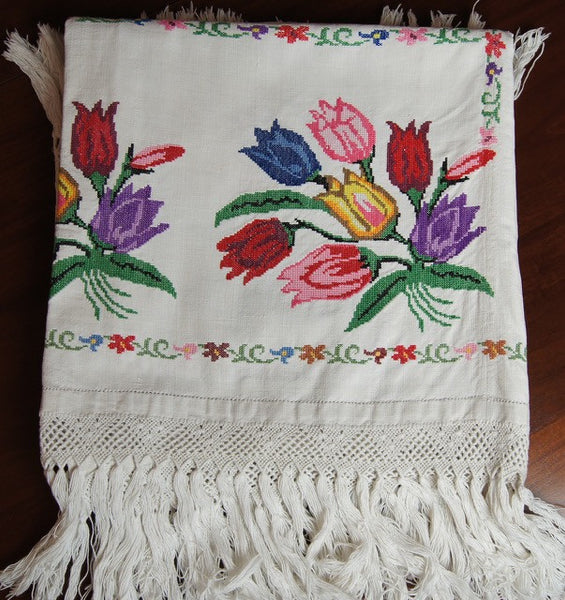 Cross Stitch Tulip Tablecloth Fringe