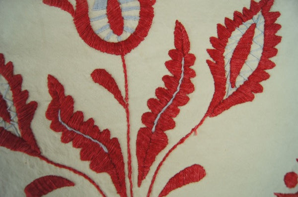 Rare Linen Raised Embroidered Table Runner Detail