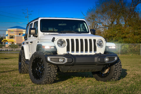 Gallery | Jeep Wrangler JL on 20x10 CALIBER (Black Milled)