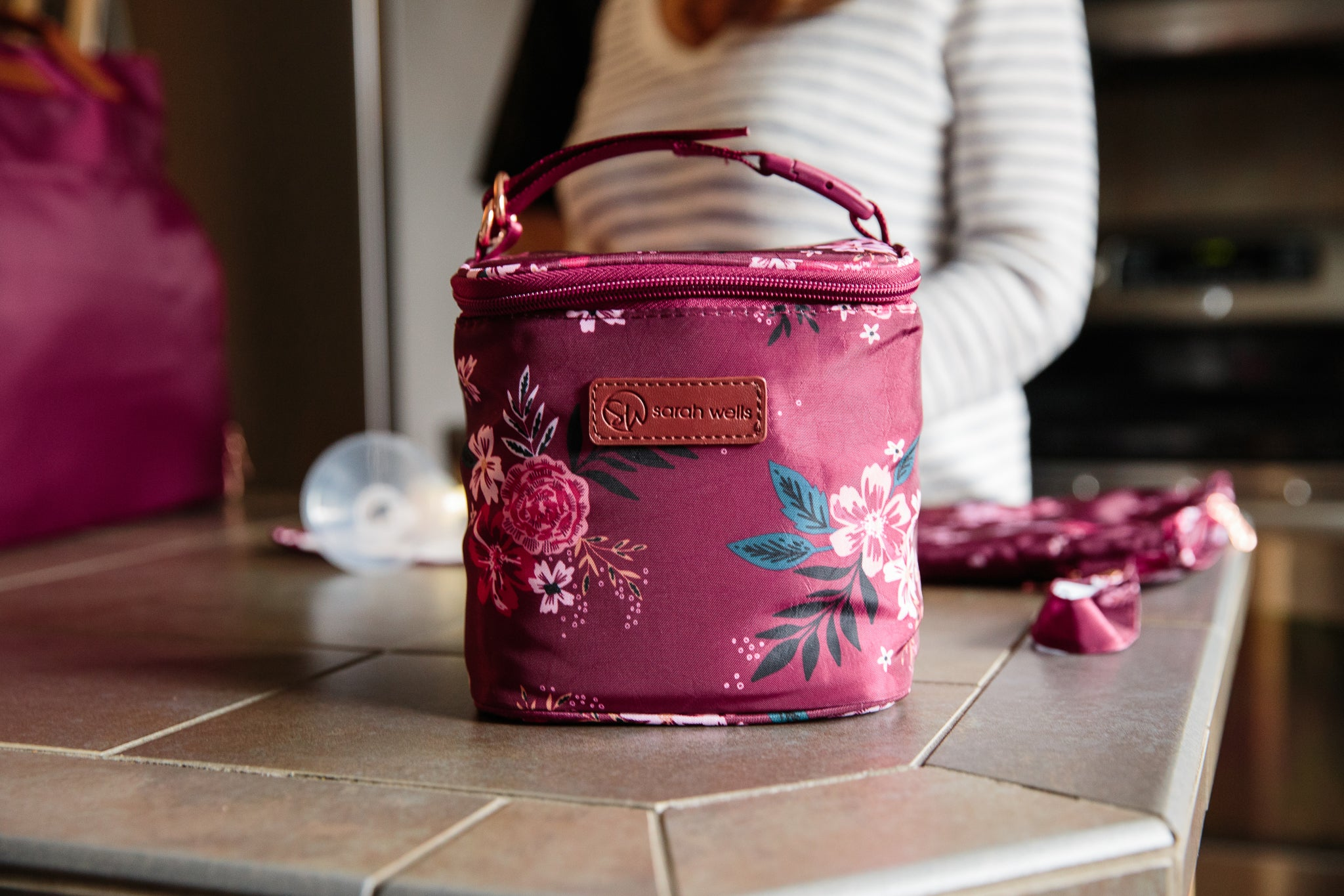10f9989ccdd20 Cold Gold (Berry Bloom) – Sarah Wells Bags