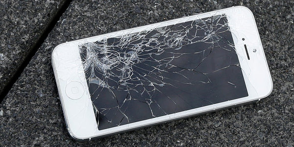broken iphone screen - how to maximize the resale value of your phone