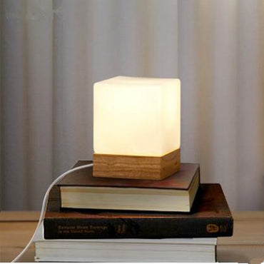 Wood base white square LED table lamp - Theblingmarket
