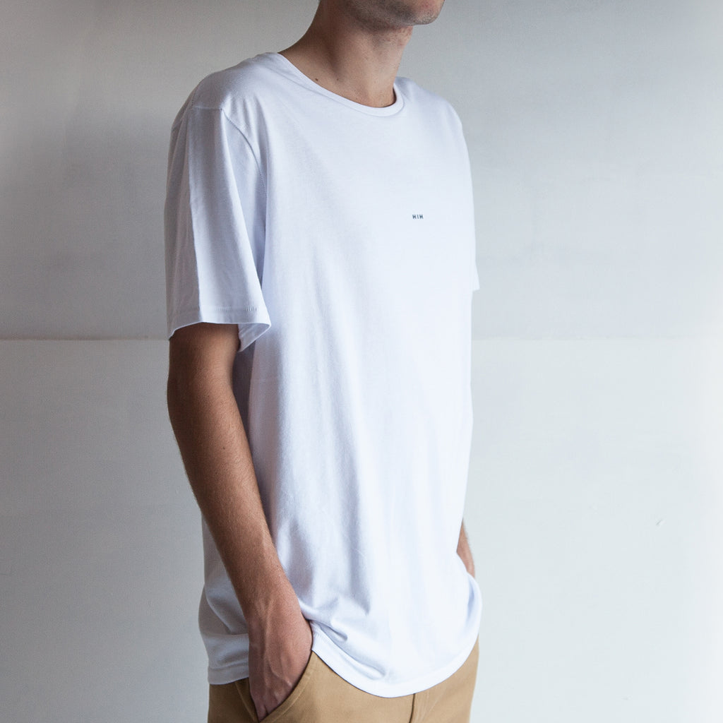 THE REGGIE TEE / WHITE / LITTLE HIH.