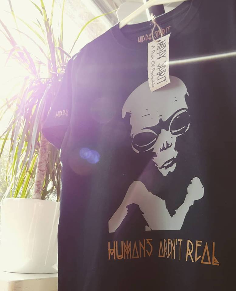 ALIEN T-SHIRT 'HUMANS AREN'T REAL'