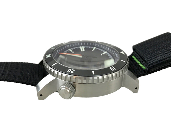 ( X1 ) SR-35 Diver Automatic Watch by Maratac & Clear Sapphire Back!