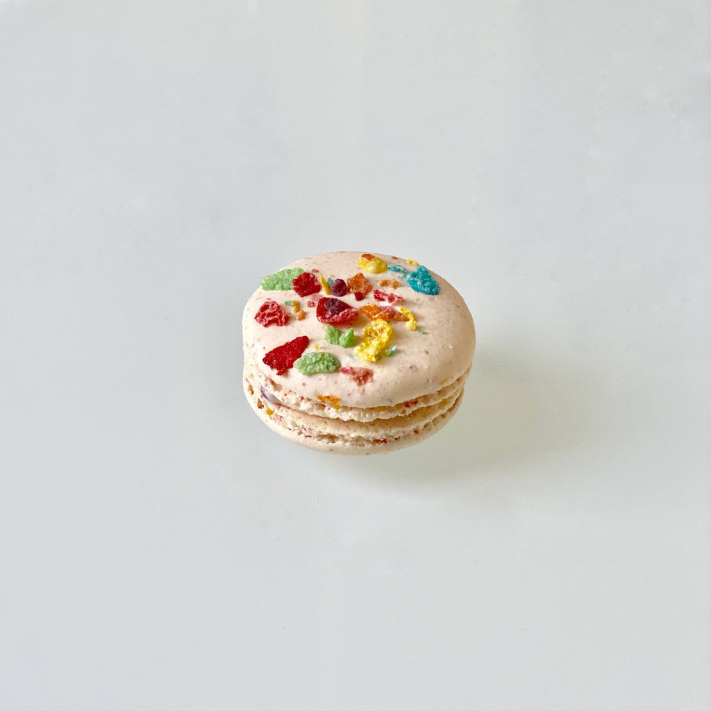 Fruity Pebbles French Macaron