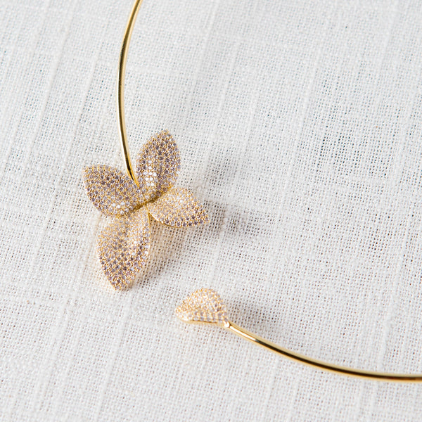 Plumeria Collar Necklace Theia - Cork Collection
