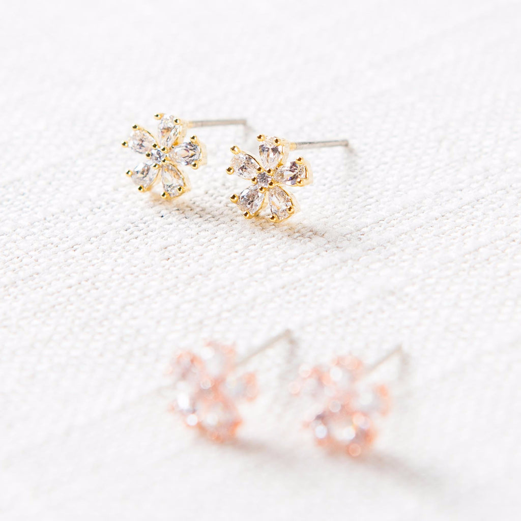 Teardrop Daisy Stud Earrings