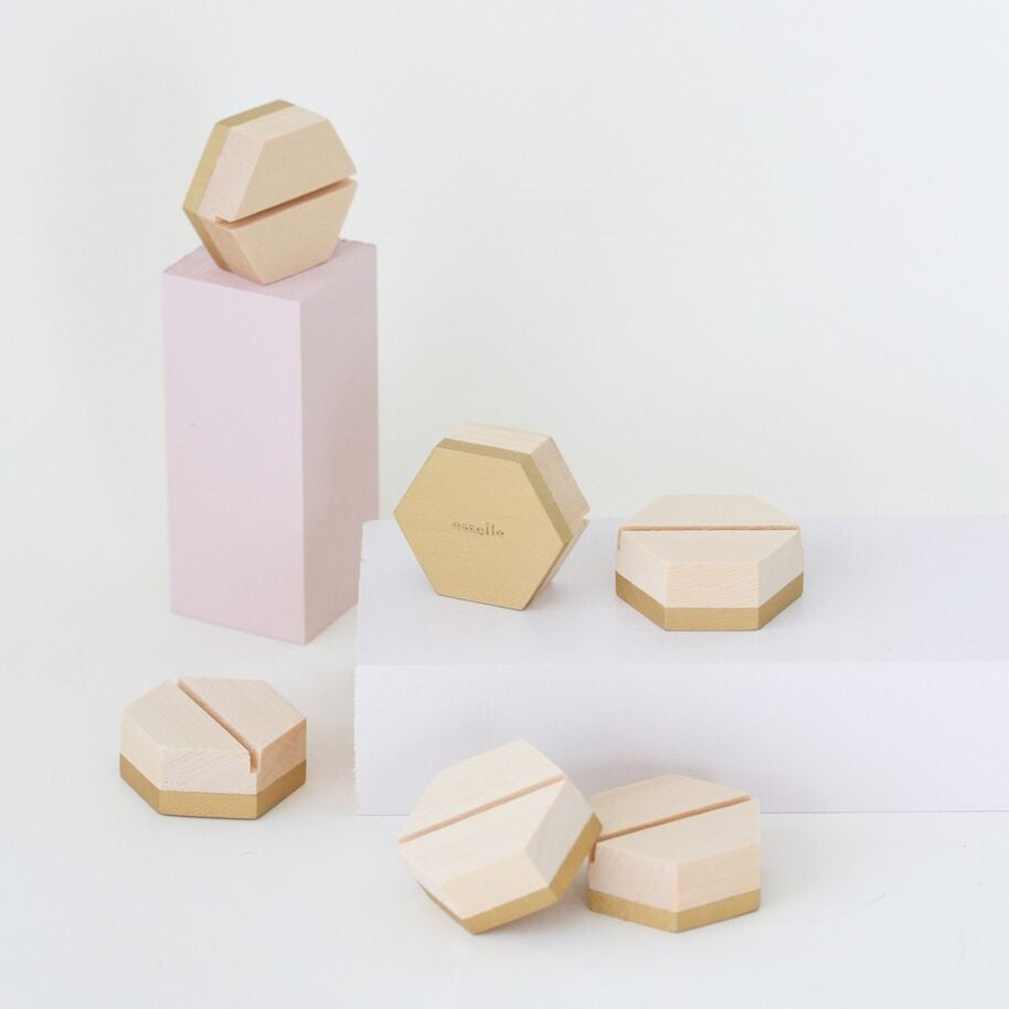 Cedar Hexagon Place Card Holder Esselle - Cork Collection