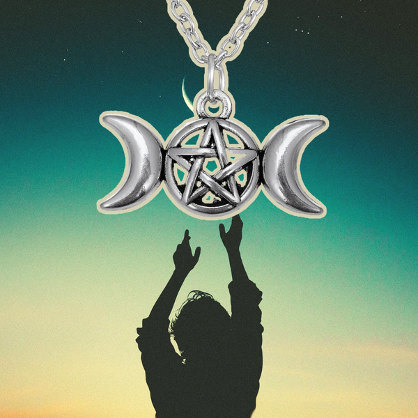 Moon Diosa Pendant Necklace