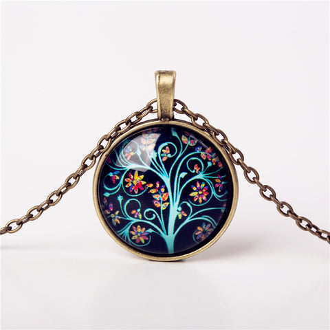 [Free Giveaway] MonoChromatic Life Tree Pendant - Guleria Store