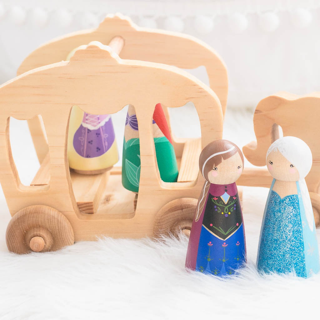Anna and Elsa Frozen inspired Peg Doll Set