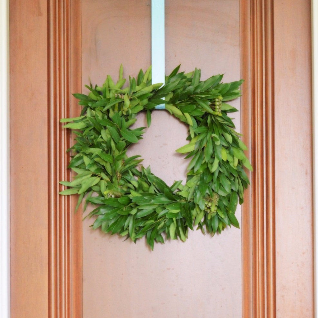 California Bay and Brunia Square Wreath | Club Botanic | Fresh Green Wreath for Christmas | Thanksgiving Wreath Fresh | Wreath bay leaves for autumn | Brunia Ball Wreath