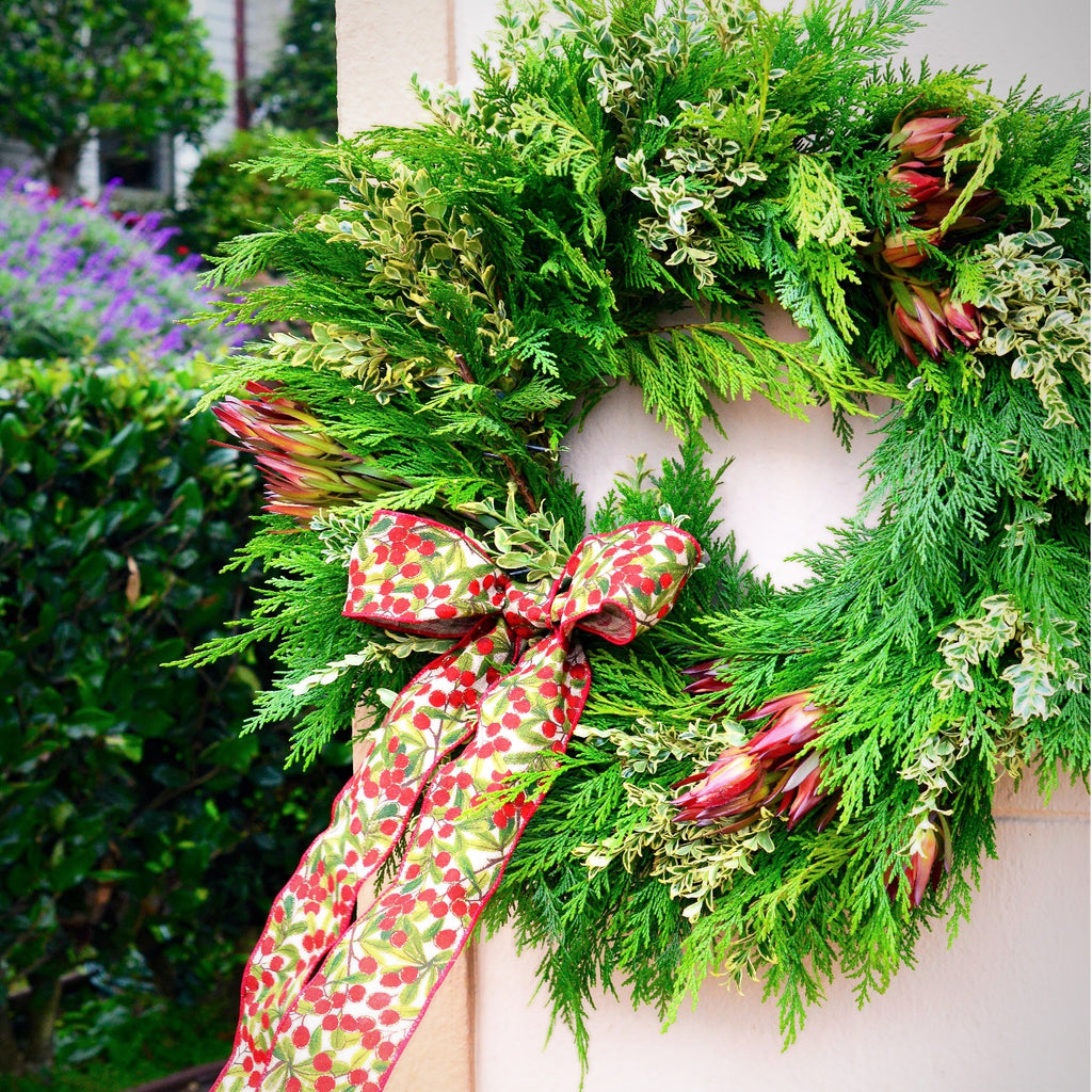 Christmas Wreath Cedar | Cedar Wreath Christmas | Holiday Wreath Cedar | Cedar Holiday Wreath | Door Wreath Cedar | Leucadendron