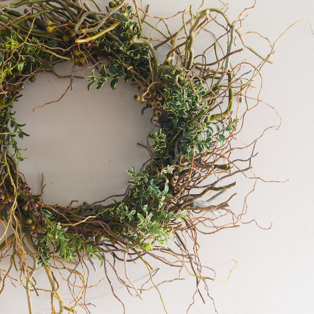 Winter Branch Wreath with Boxwood | Winter Curly Willow Wreath with Boxwood